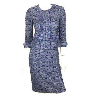 St. John Knit 2 Piece Skirt Suit Size 2